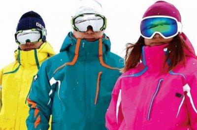 滑雪服代工厂告诉你滑雪服购买指南