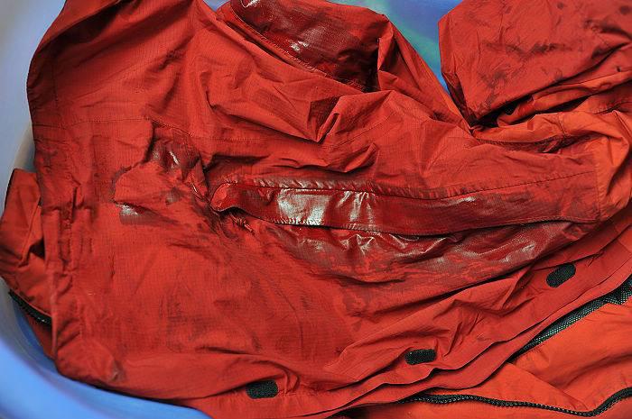 冲锋衣厂家教你定做的冲锋衣如何保养