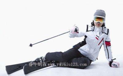专业滑雪服厂家教您如何搭配滑雪服
