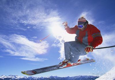 滑雪服厂家讲解滑雪运动
