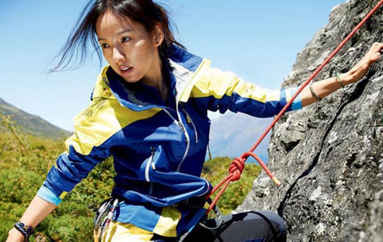 冲锋衣工厂带你了解户外运动对冲锋衣的要求